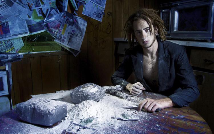 lelaki dan serbuk kokain