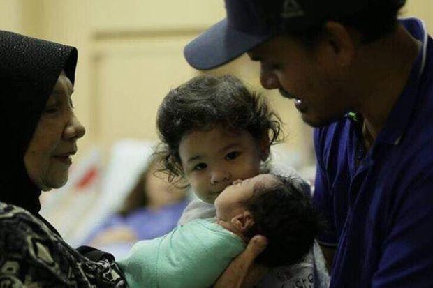 lisa surihani dan yusry selamat timang anak kedua