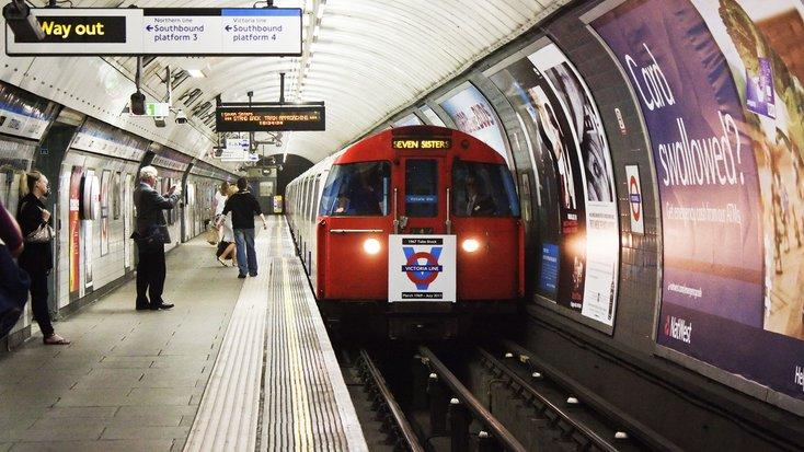 london underground sistem kereta api bawah tanah paling besar di dunia 513