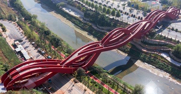 lucky knot jambatan paling pelik di dunia