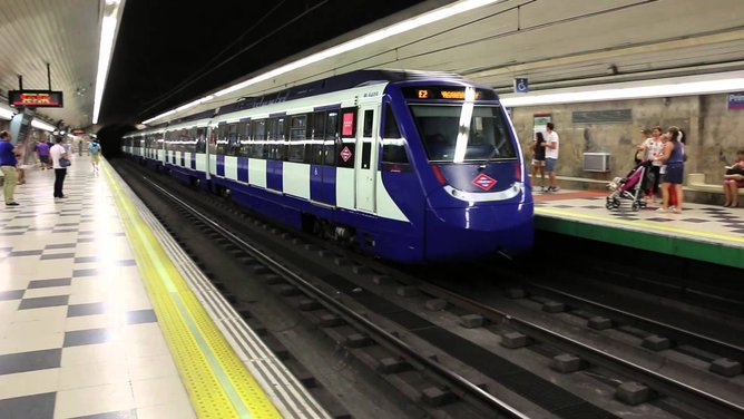 madrid metro sistem kereta api bawah tanah paling besar di dunia