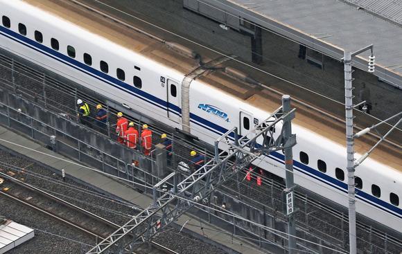 maintenance shinkansen train