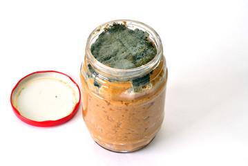 makanan dalam tin balang kaca yang rosak