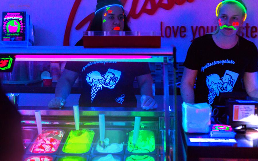 makanan glow in the dark ice cream 401