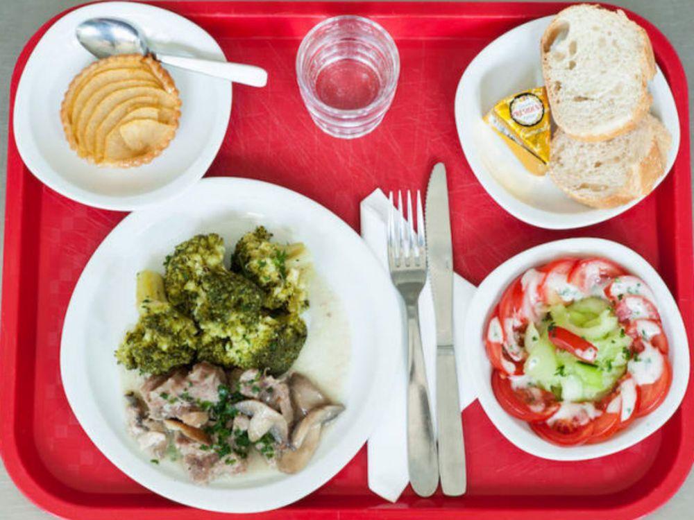 makanan waktu rehat pelajar sekolah di seluruh dunia perancis