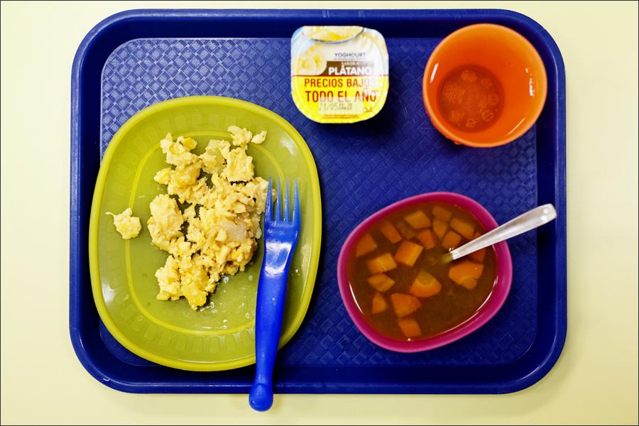 makanan waktu rehat pelajar sekolah di seluruh dunia sepanyol