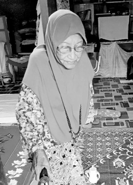 makcik che dah ibrahim nenek berumur 96 tahun masih sihat dan kuat