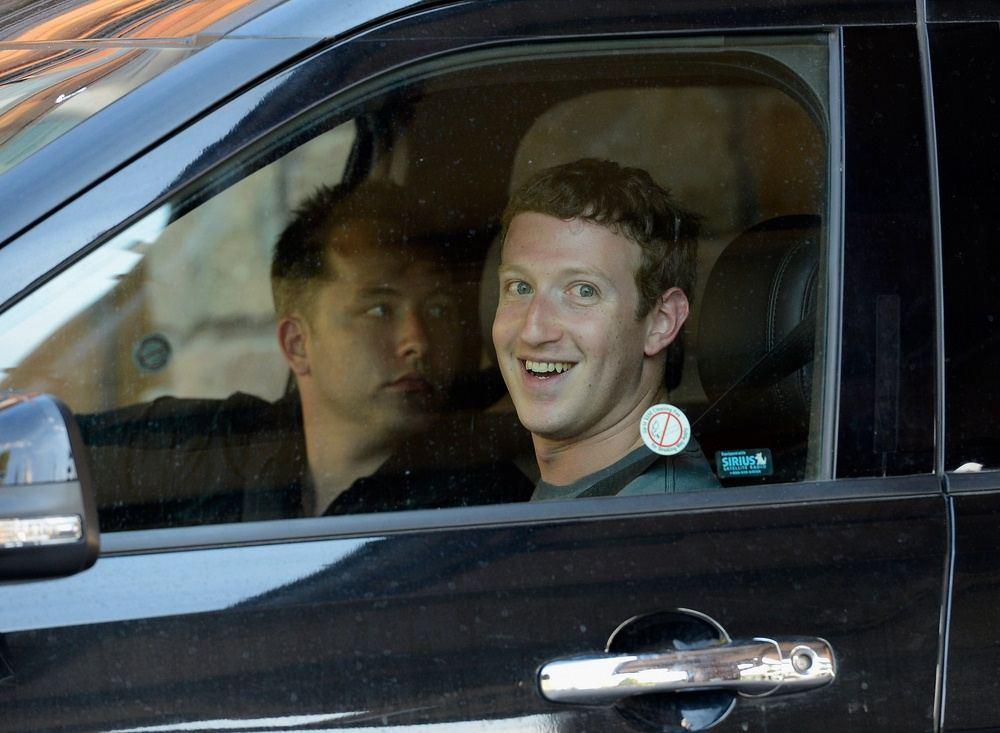 mark zuckerberg dalam kereta murahnya