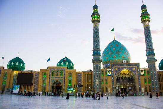 masjid jamkaran antara terbesar di dunia