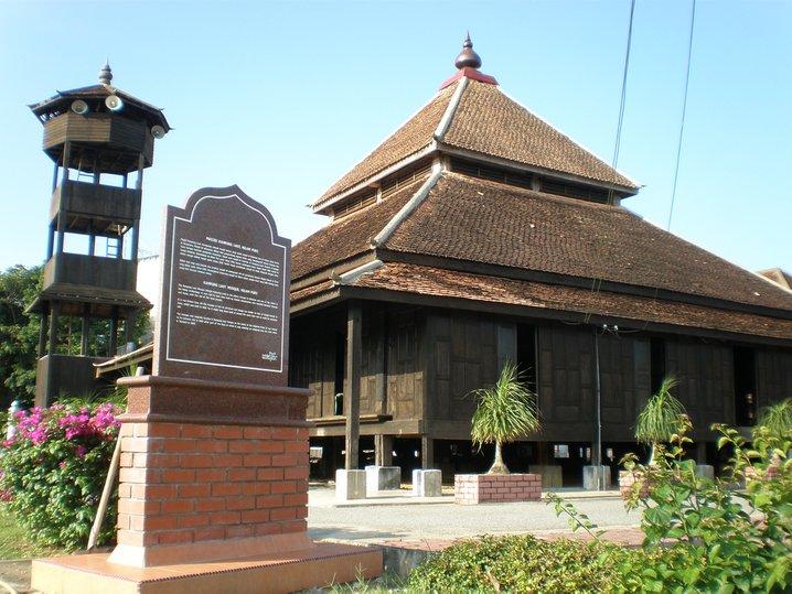 masjid kampung laut nilampuri kelantan malaysia