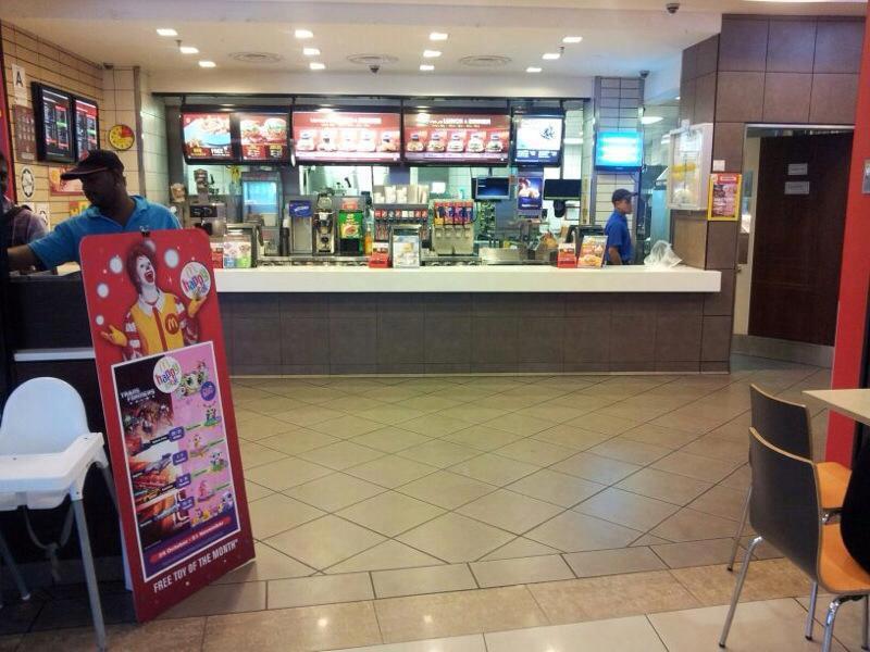 mcdonald lengang tiada pelanggan