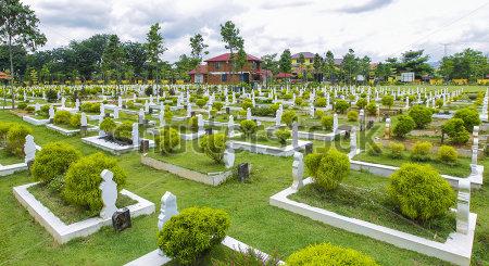menanam al quran di kawasan masjid atau perkuburan