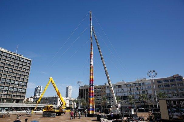 menara diperbuat daripada lego di tel aviv