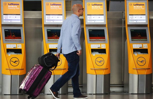 mesin layan diri airport