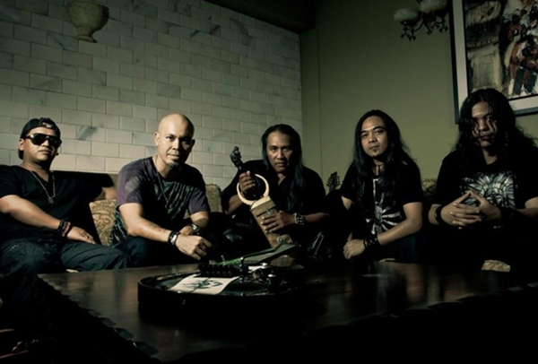 metalasia mempopularkan progressive metal