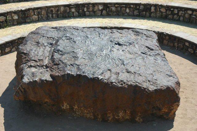 meteorit hoba meteorit paling besar pernah mendarat di bumi 5