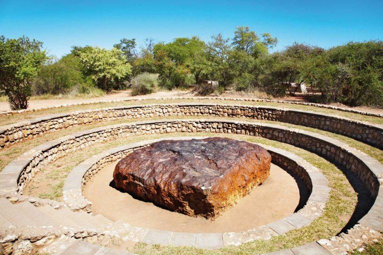 meteorit hoba meteorit paling besar pernah mendarat di bumi
