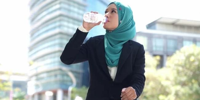 minum air kekal cantik awet muda