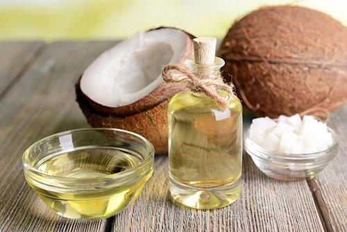 minyak kelapa sebagai cara semula jadi untuk lebatkan rambut