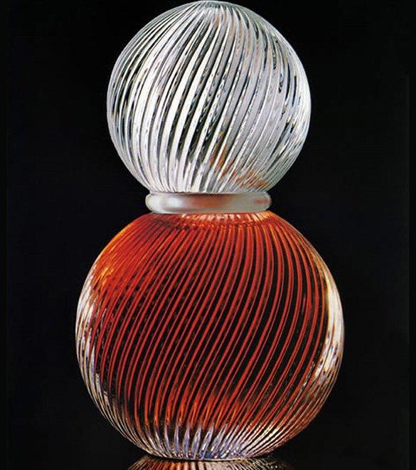 minyak wangi bijan yang botolnya diperbuat daripada kristal mahal