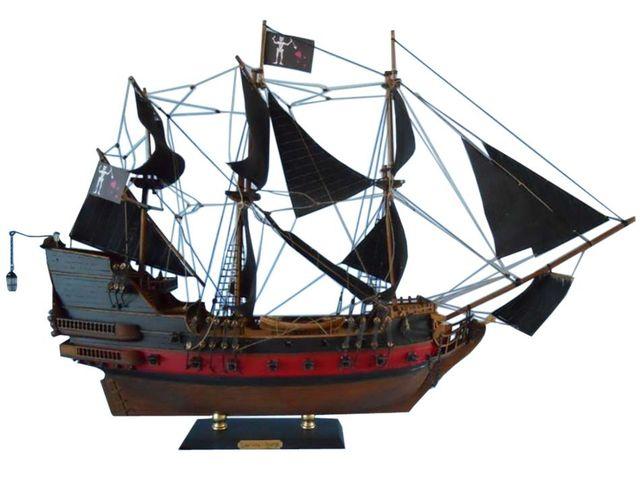 model kapal queen anne s revenge