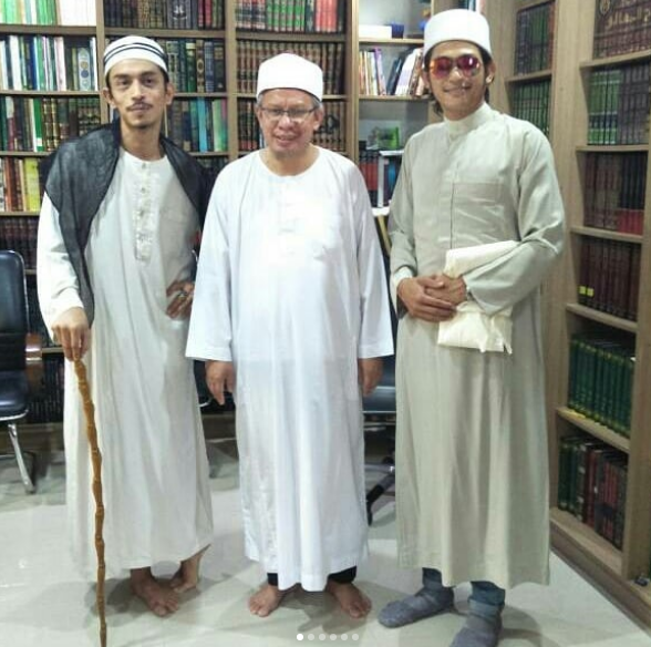 mufti beri iqram dinzly arnab 2
