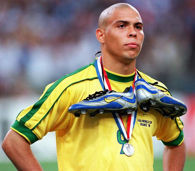 muka kecewa ronaldo akibat kalah piala dunia 1998 905
