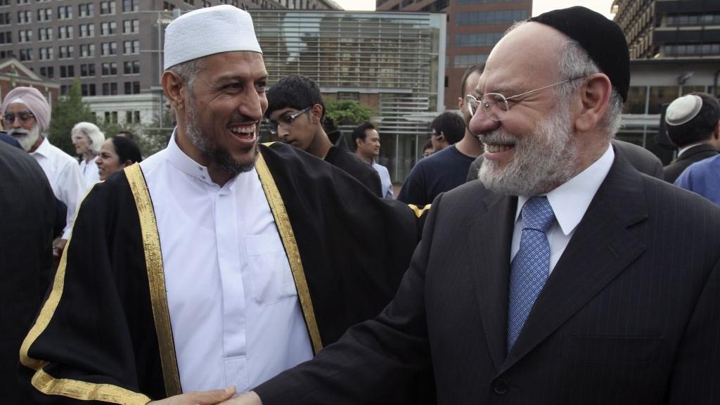 muslim dan yahudi rilek berkawan