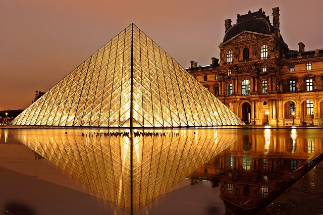 muzium terbesar dunia louvre