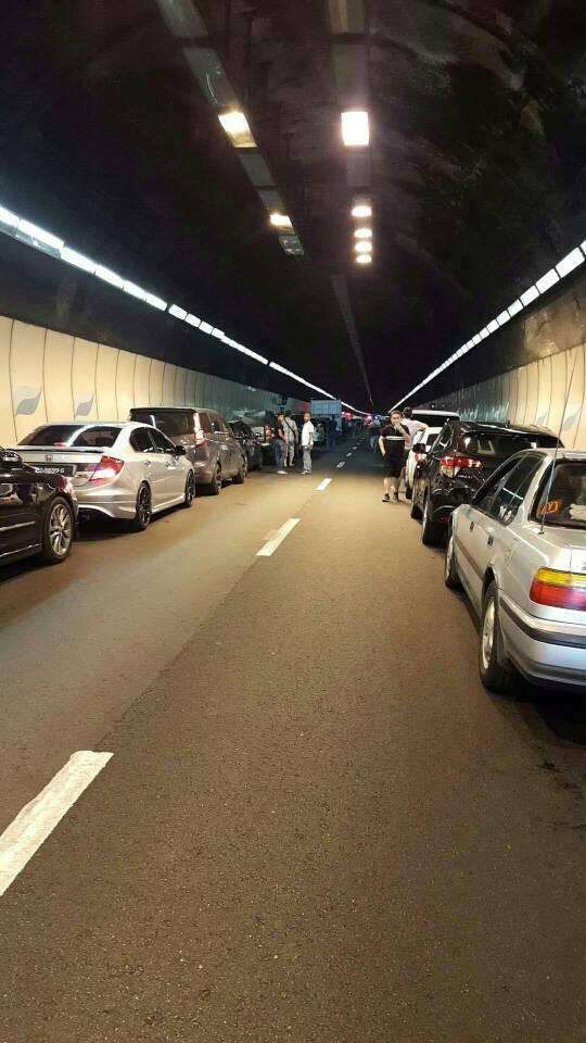 nahas terowong menora laluan terhalang hampir sejam trafik sesak teruk 5km 1