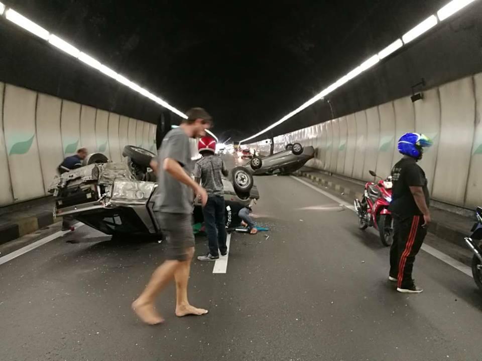 nahas terowong menora laluan terhalang hampir sejam trafik sesak teruk 5km