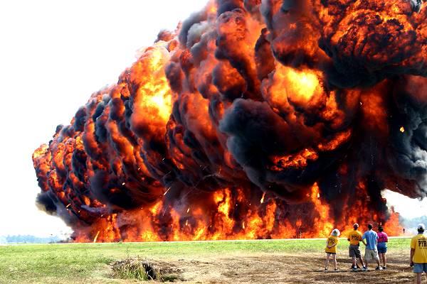 napalm bom paling dahsyat dan memusnahkan di dunia 2
