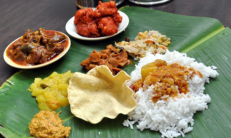 nasi daun pisang makanan malaysia