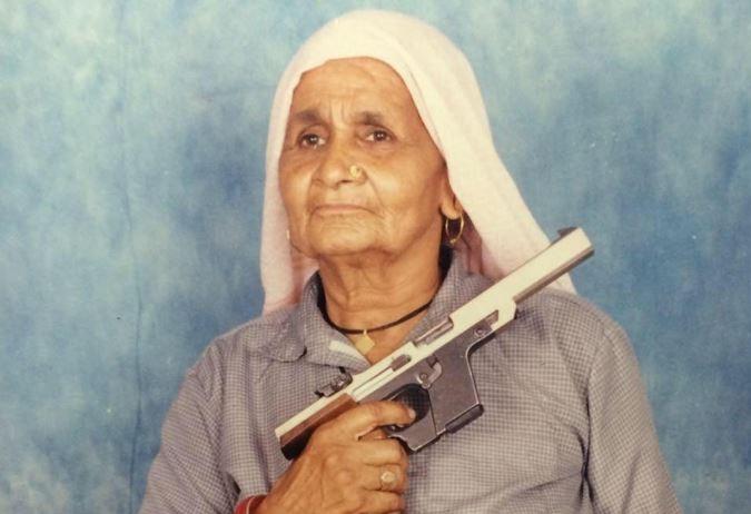 nenek 84 tahun sharpshooter tertua di dunia