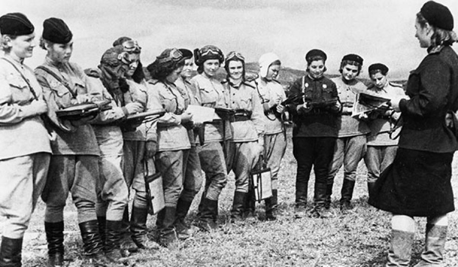 night witches mendengar arahan