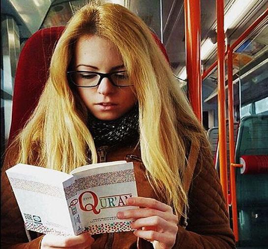 non muslim membaca al quran