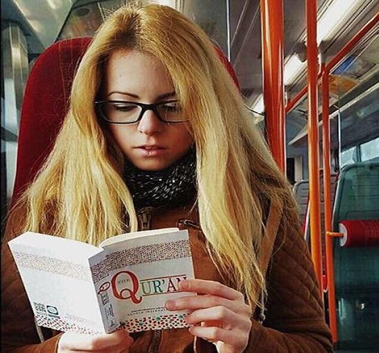 non muslim membaca terjemahan quran