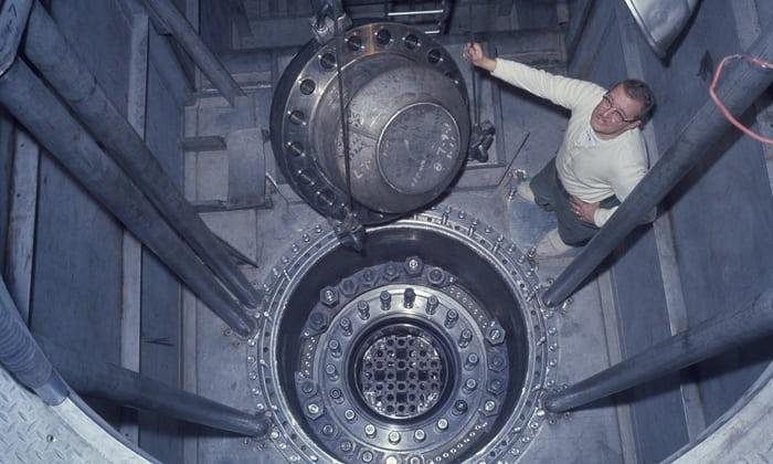 nuklear bawah tanah