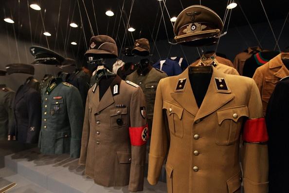 pakaian seragam nazi jerman