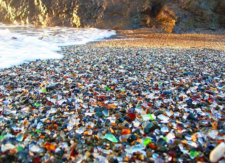 pantai glass beach