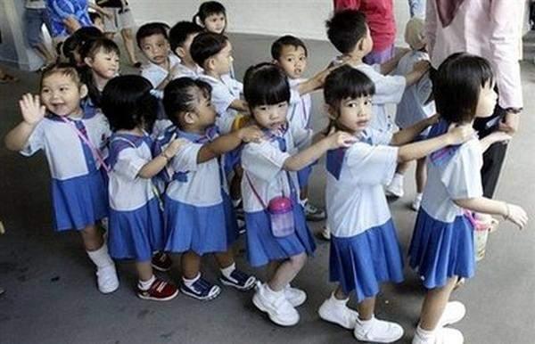parents children stress kiasu 1