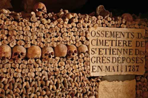 paris catacombs pusara lama
