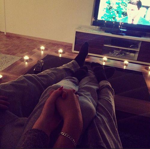 pasangan bercinta romantis