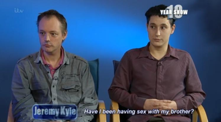 pasangan gay adik beradik