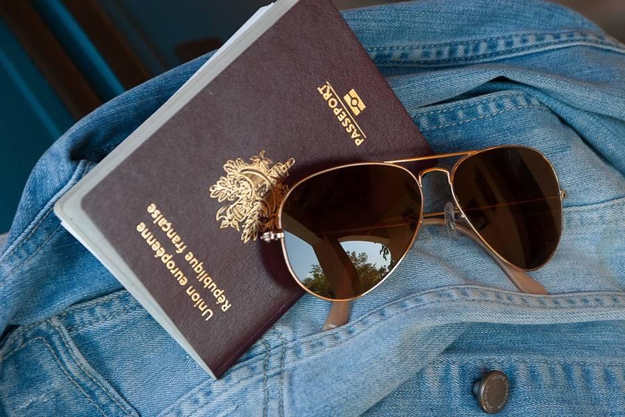 passport merah