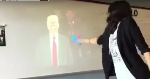 Guru sekolah di Dallas America diberhentikan kerja kerana tembak poster Trump menggunakan pistol air