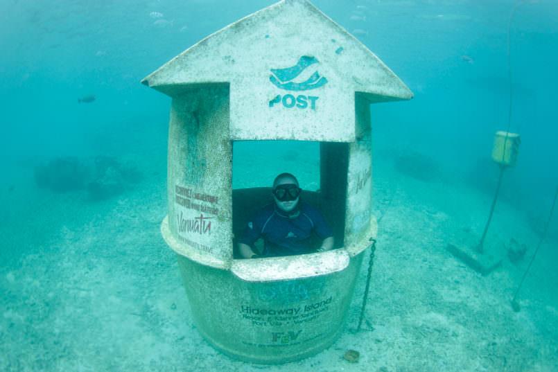 pejabat pos dalam air