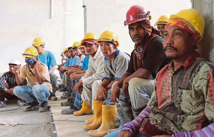 pekerja asing myanmar rajin bekerja