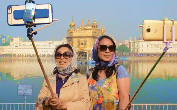 pelancong paling teruk di dunia awek selfie