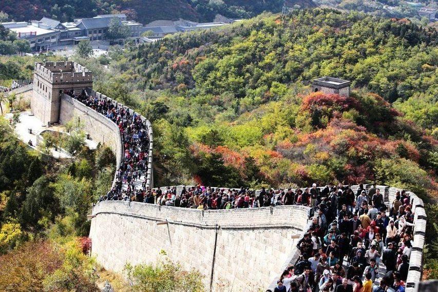 pelancong tembok besar china